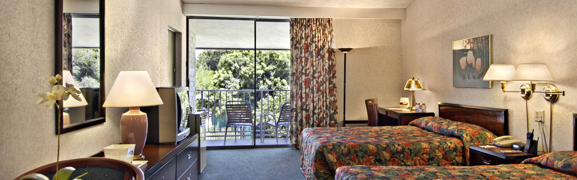 Knights Inn room in Claremont CA