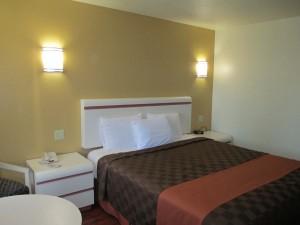 Claremont Lodge bed in Claremont CA