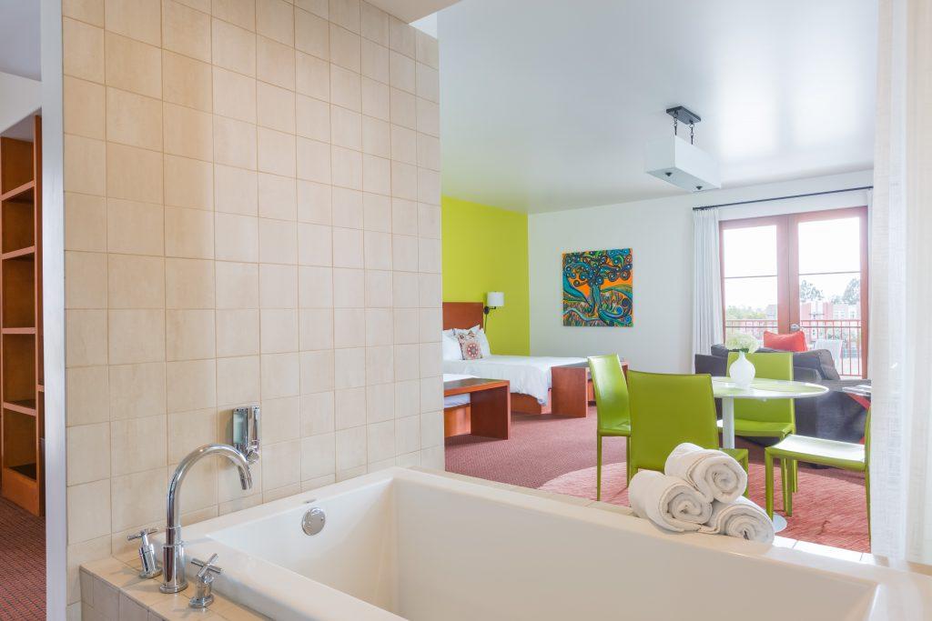 romantic getaways to claremont ca discover claremont. Black Bedroom Furniture Sets. Home Design Ideas